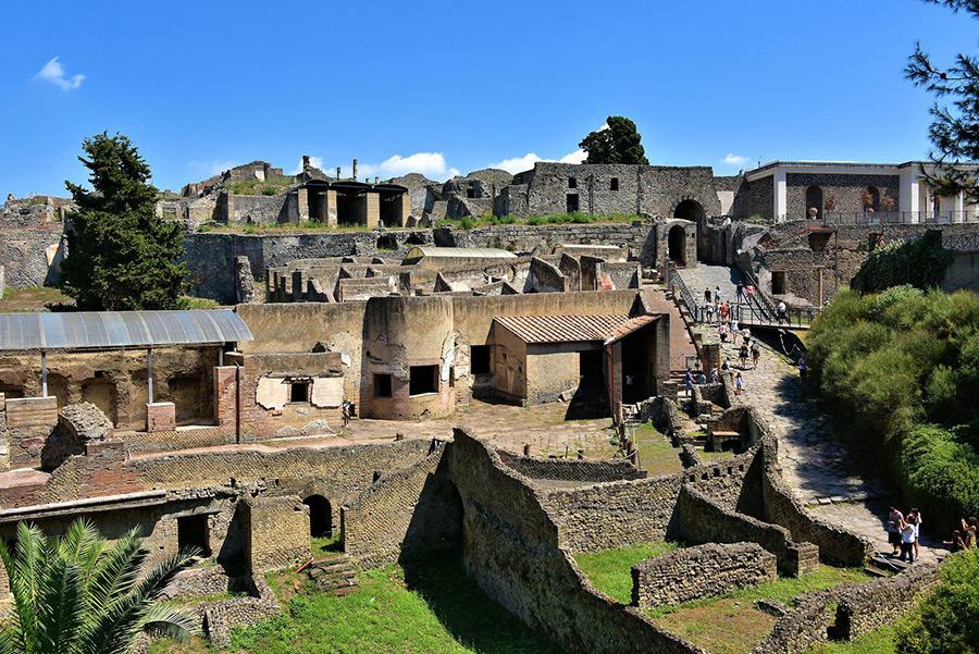 ancient-cities-Pompeii-Italy