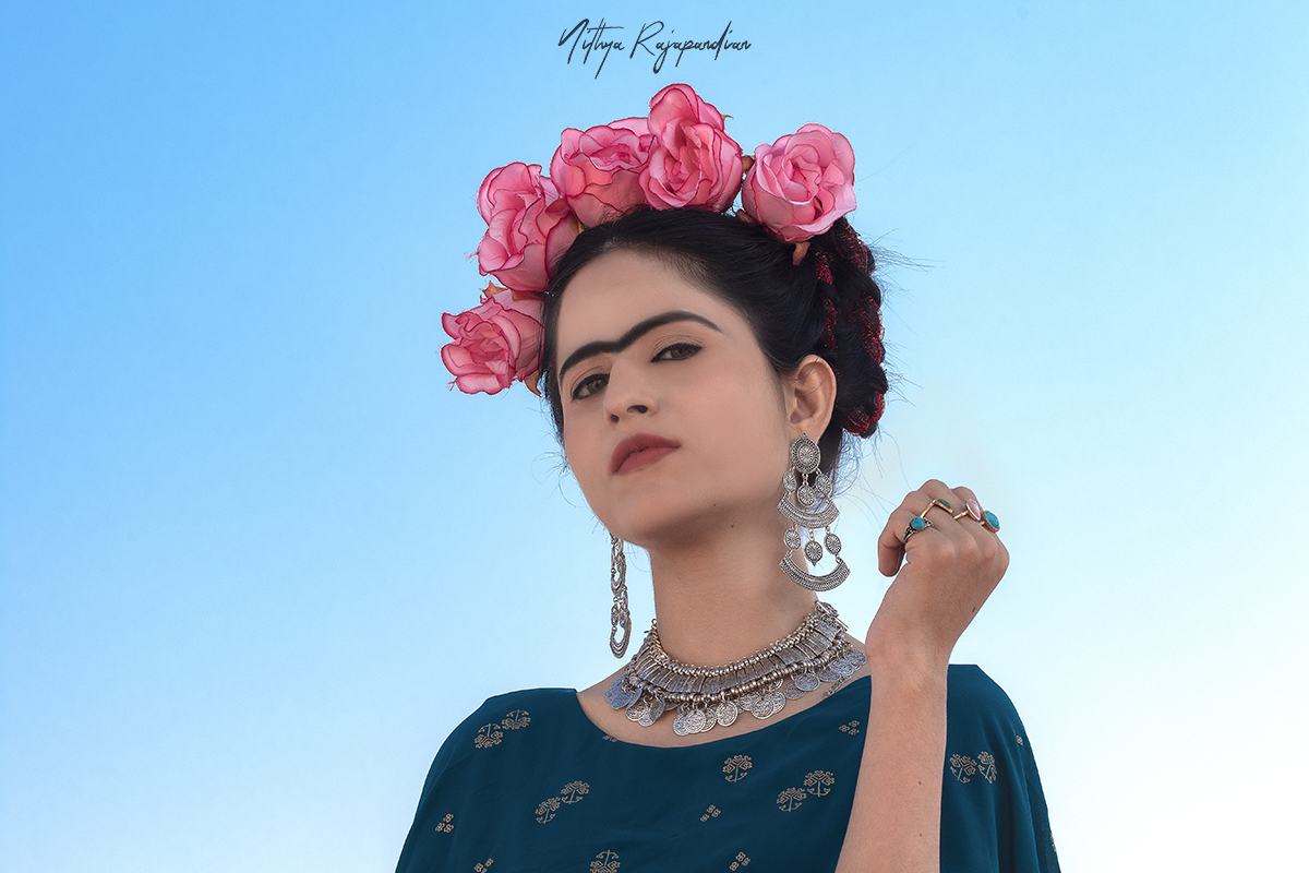 Frida-kahlo-recreation-cosplay